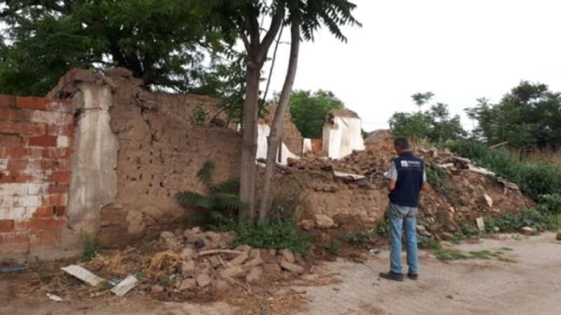 Karacabey'de metruk binalarla ilgili yıkım çalışmaları devam ediyor