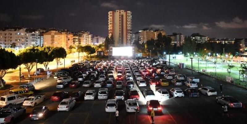13 bin 500 vatandaş 'Arabada Sinema' izledi