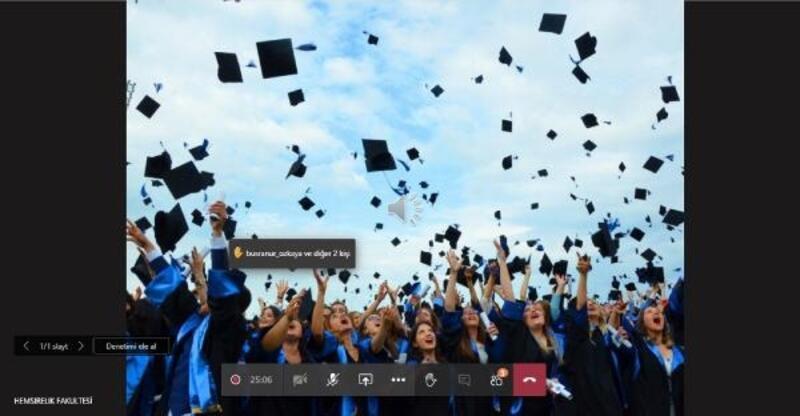 Hemşirelik fakültesi öğrencileri dijital törenle mezun oldu
