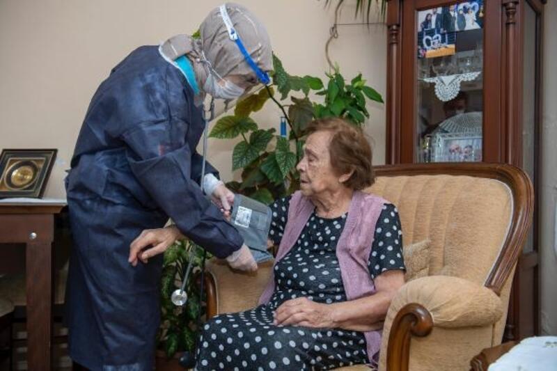 Salgın sürecinde 1137 hastaya evde sağlık hizmeti