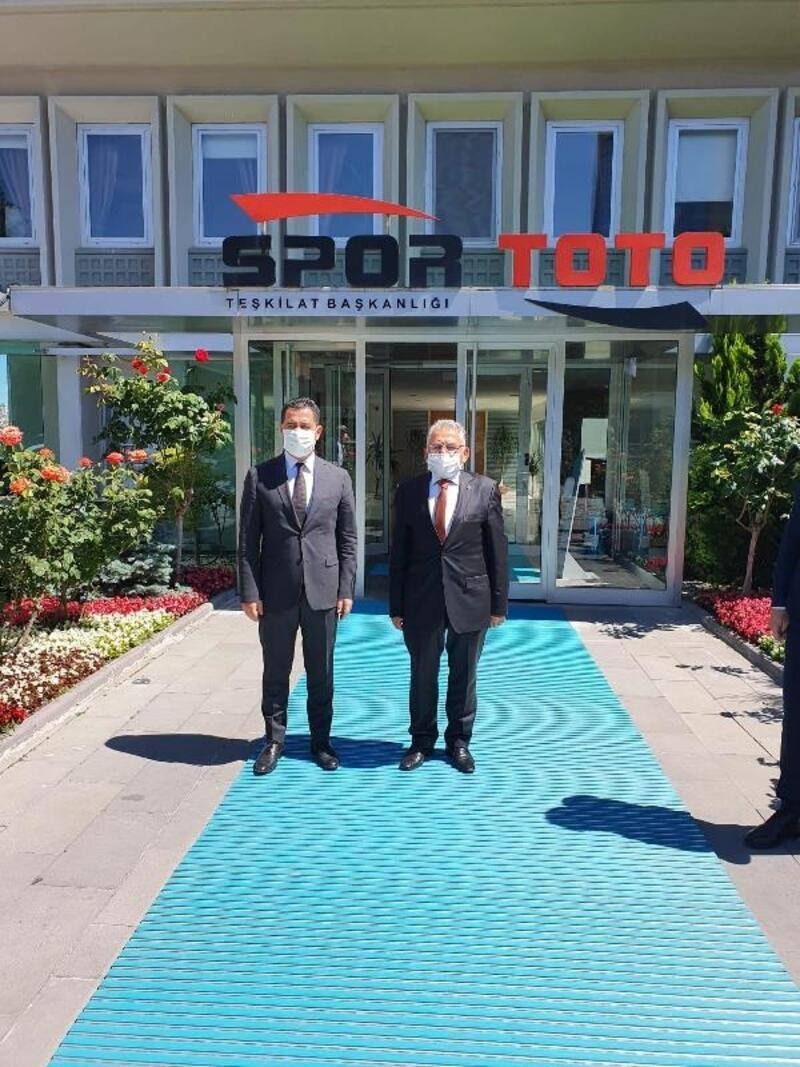 Erciyes'e 6 futbol sahası için protokol imzalandı