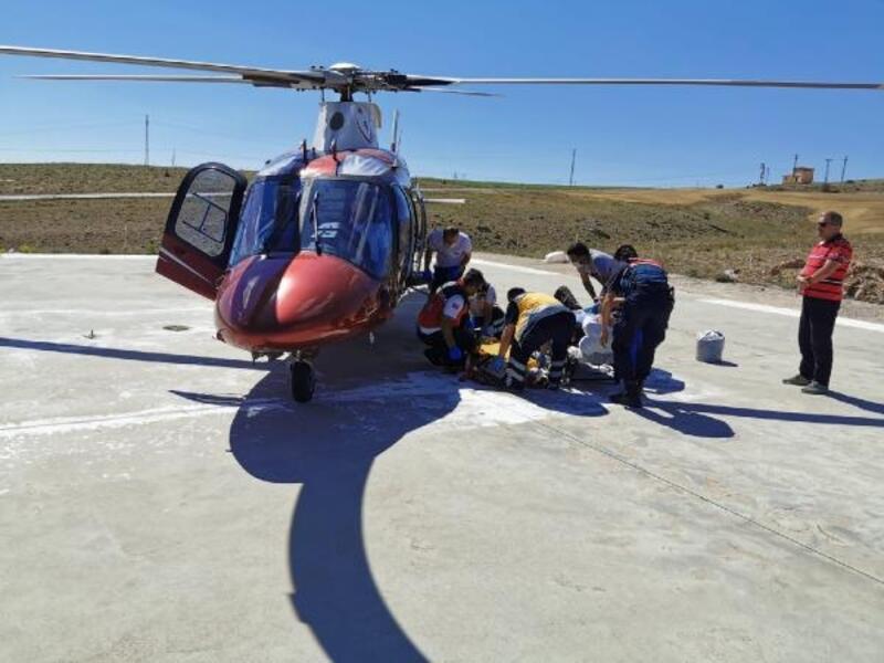 Ambulans helikopter, kalça kemiği kırılan hasta için havalandı