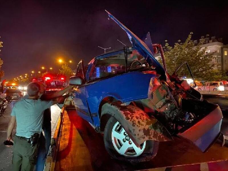 Samsun'da yarışan otomobiller kaza yaptı: 6 yaralı