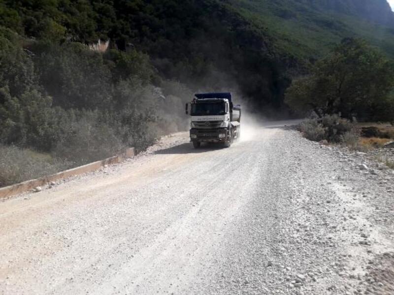 Demre Dirgenler yolu asfalta hazırlanıyor