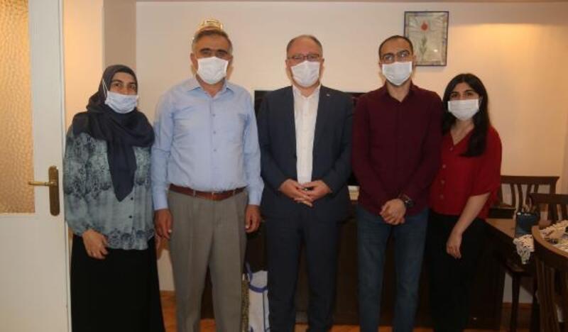 Başkan Bilgin'den lösemi hastası Ahmet Turan'a moral ziyareti