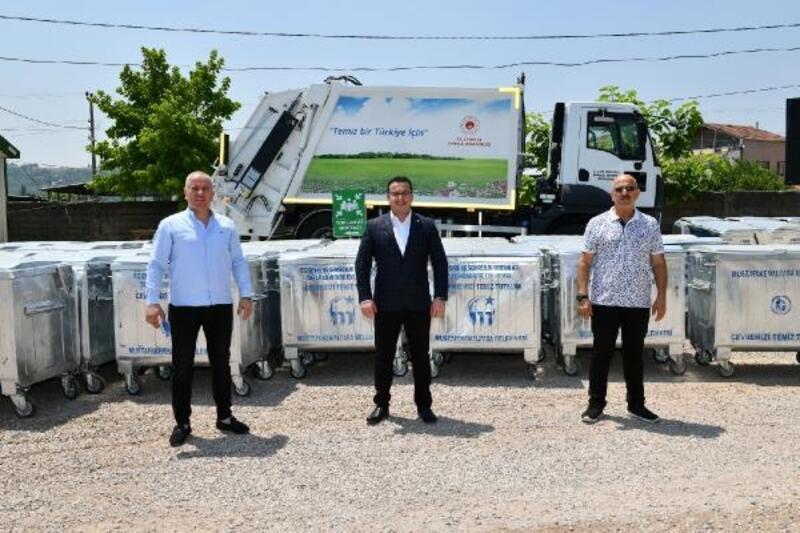 Mustafakemalpaşa Belediyesi'ne 500 adet çöp konteyneri hibe edildi