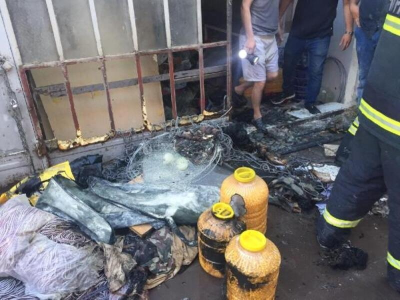 Eskişehir'de bir depoda çıkan yangını itfaiye söndürdü