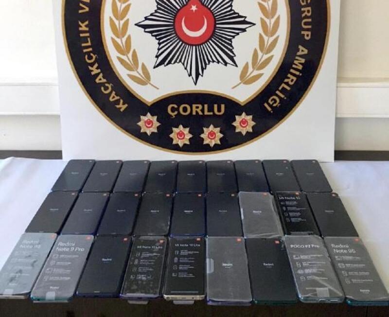 Tekirdağ'da 27 gümrük kaçağı telefon ele geçirildi