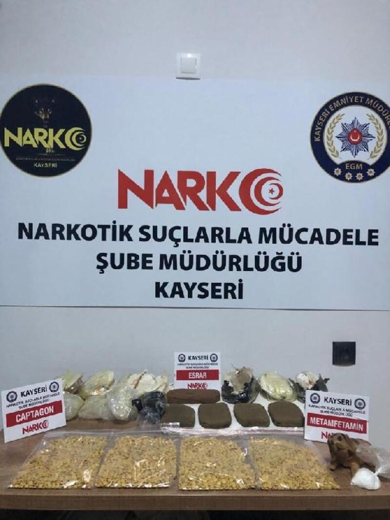 Kayseri'de yabancı uyruklu 3 kişiye uyuşturucu gözaltısı