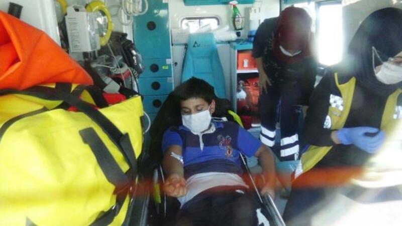 Otomobilin çarptığı bisikletteki çocuk yaralandı
