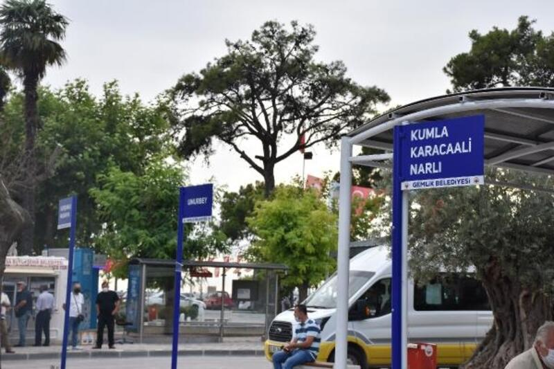 Gemlik'te otobüs durakları yenilendi