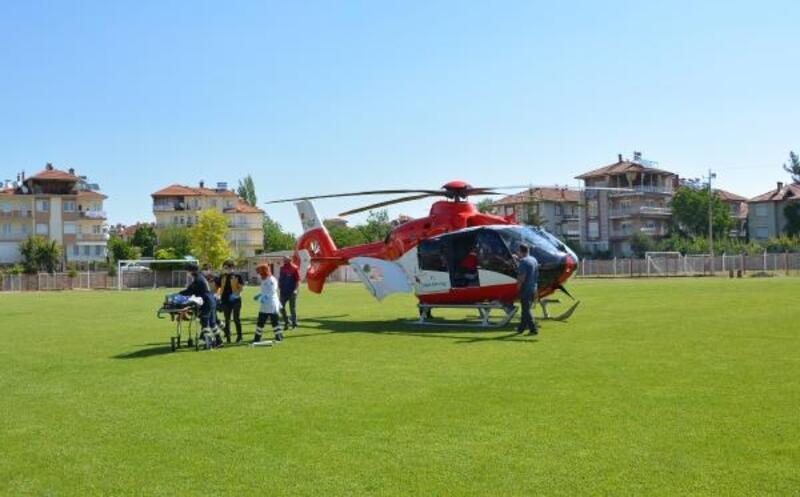 Rahatsızlanan çocuk ambulans helikopterle sevk edildi