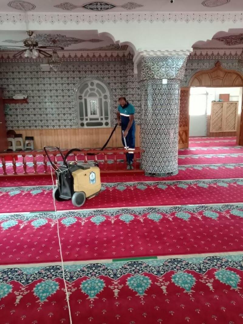 Yıldırım'da camilerde bayram temizliği