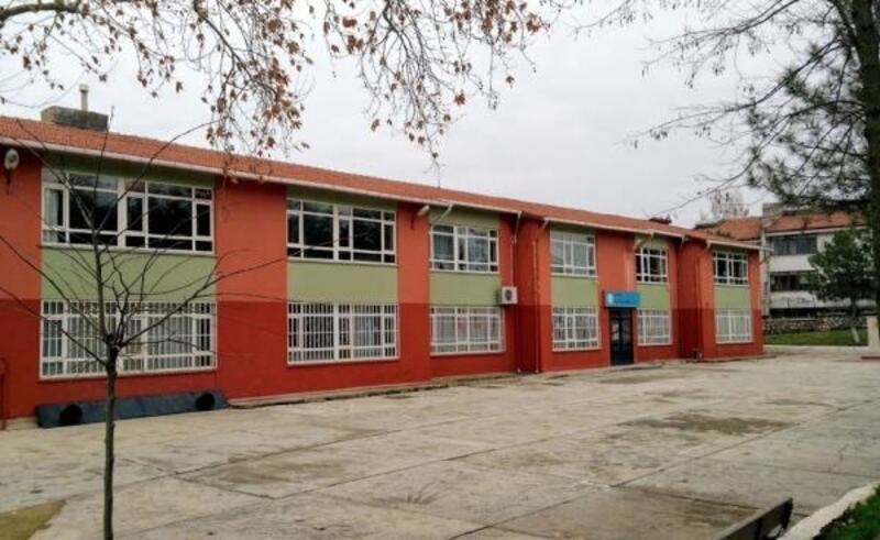 Edirne'de, 'depreme dayanıksız riskli bina' raporu verilen Gazi İlkokulu yıkılacak