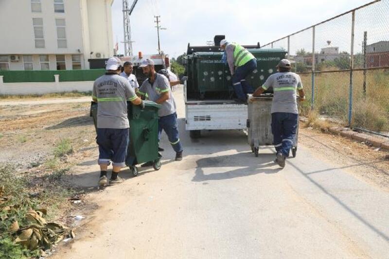 Yüreğir'de çöp konteynerleri yenileniyor