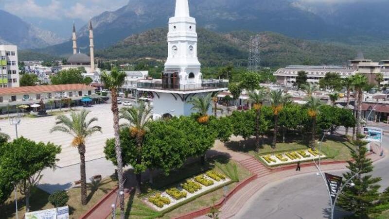 Kemer Cumhuriyet Meydanı'na 2 milyon liralık düzenleme
