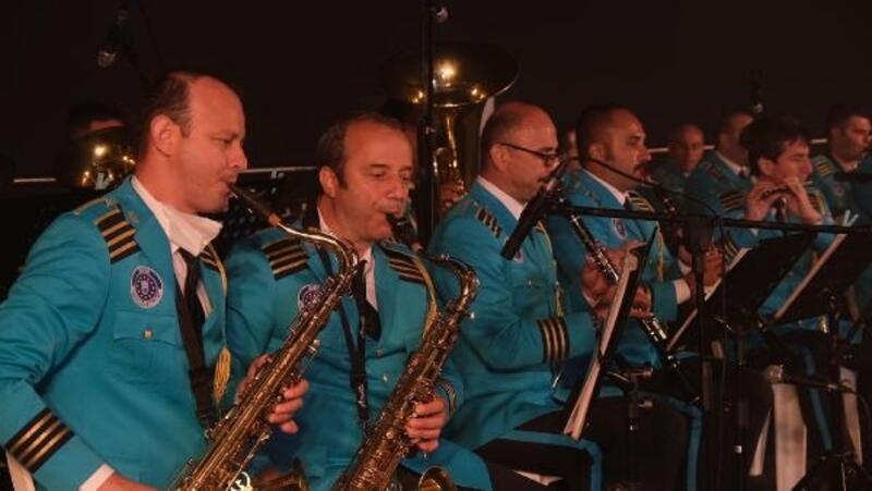 Gün batımı konserleri Uludağ'ın zirvesinde başladı
