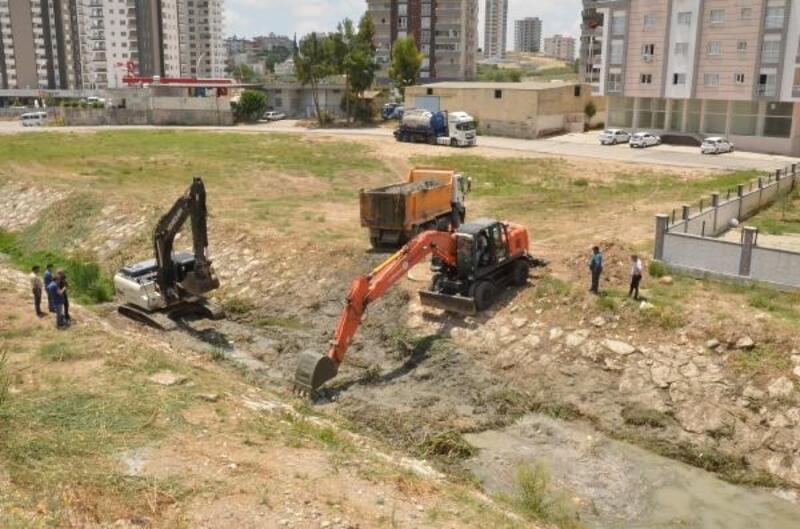 Tarsus'ta dereler ıslah ediliyor
