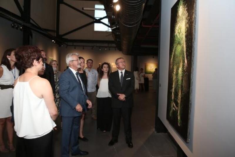 Nilüfer Belediyesi koleksiyonu izlenime açıldı