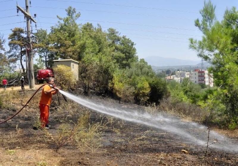 Manavgat'ta 2 trafo yandı