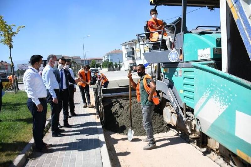 İnegöl'de beton yol uygulaması şehrin tüm noktalarına yayılıyor