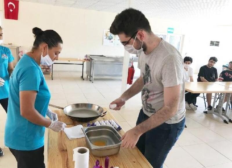 Üniversite adayı gençler için 'Kampüse merhaba' projesi