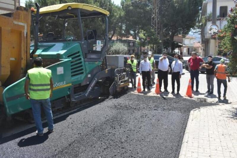 Balıkesir'de asfalt çalışmaları sürüyor