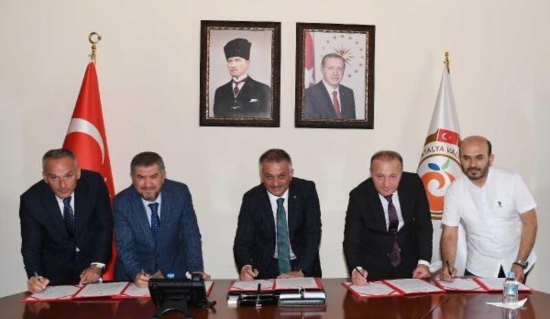 Akdeniz Üniversitesi Camii gençlerin buluşma noktası olacak
