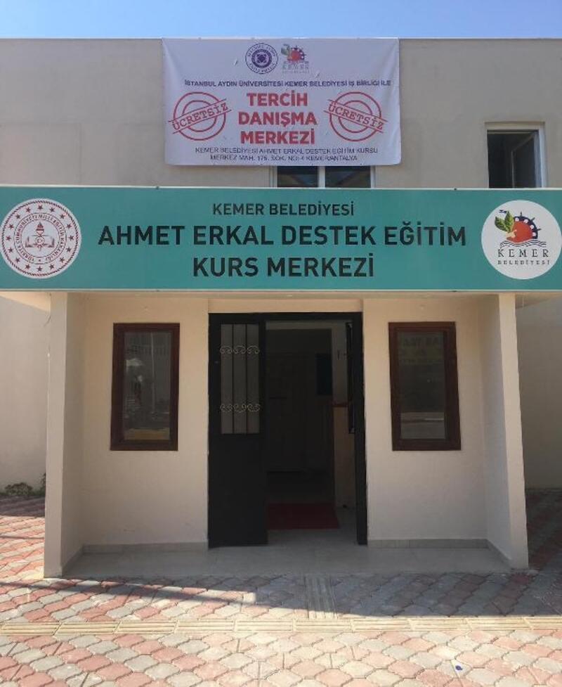 Kemer'de öğrenciler için danışma merkezi