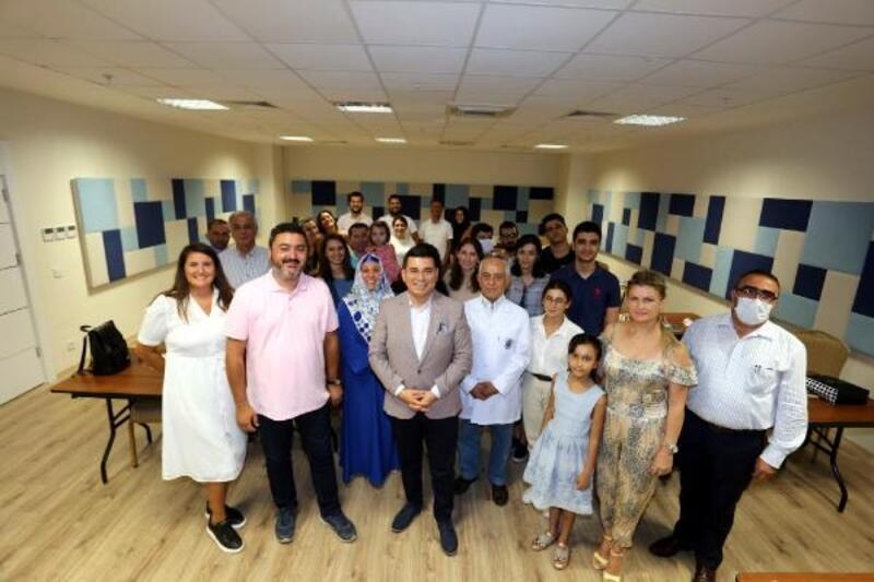 Kepez'in yabancı diller akademisi ilk mezunlarını verdi