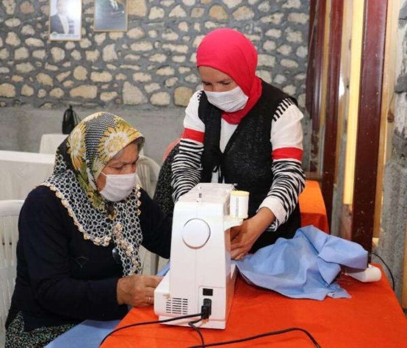 Arslanköylü kadınlar, tarihi Halkevi'nde meslek öğreniyor