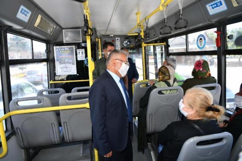 Toplu taşıma otobüsüne binen Başkan Büyükkılıç'tan vatandaşlara uyarı