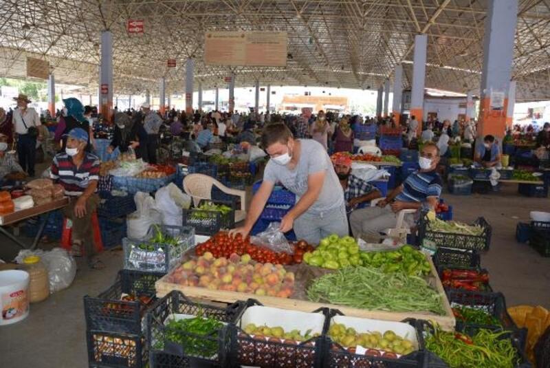 Üretici köylü pazarı yoğun ilgi gördü