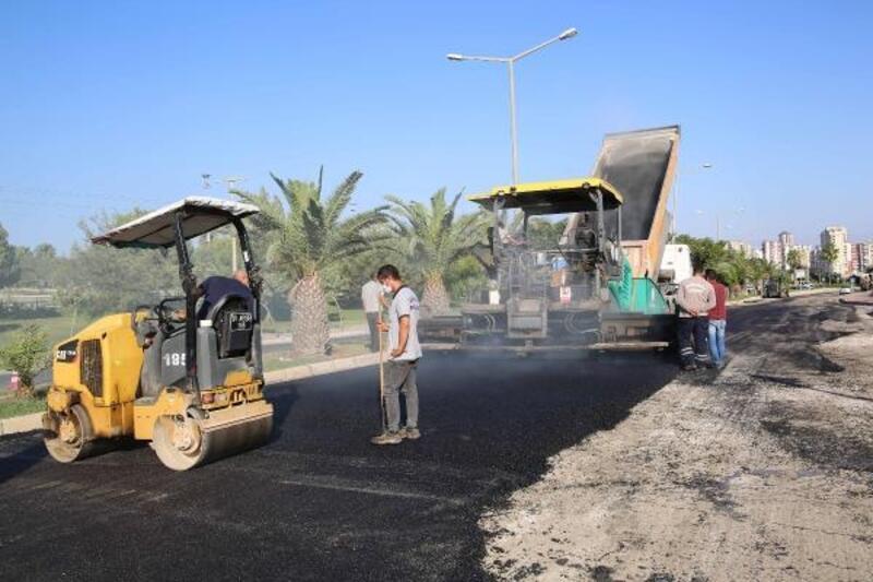Büyükşehir ekipleri ilçelerde asfalt çalışmalarını sürdürüyor