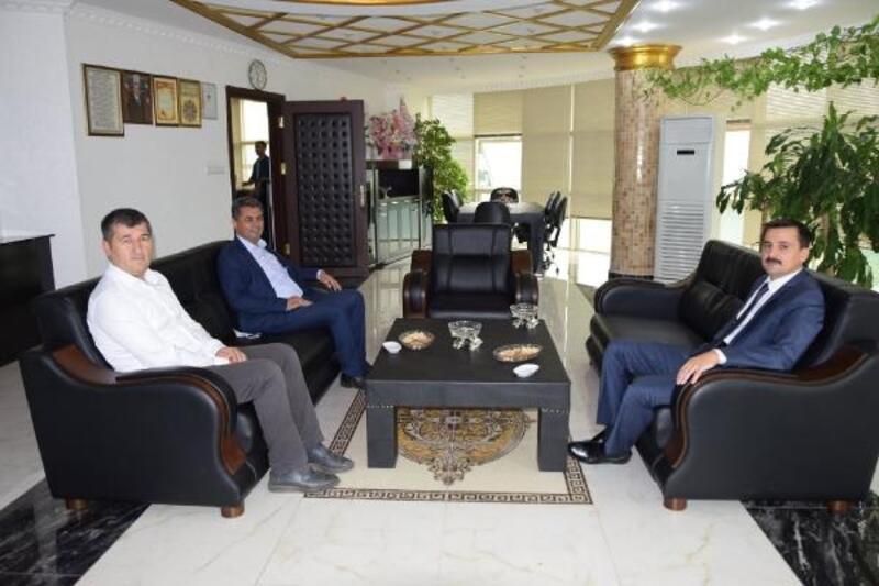 Kaymakam Durgut'tan ilk ziyaret başkana