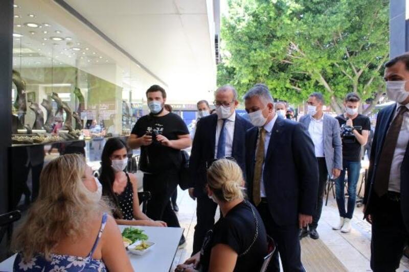 Vali Yazıcı: Antalya pandemi konusunda güvenli bir şehir