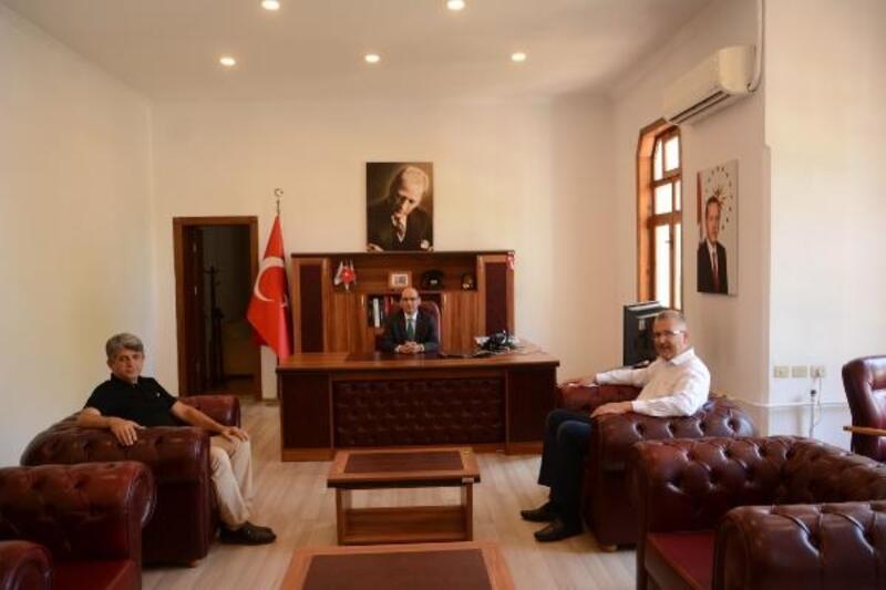 Karacabey Belediye Başkanı Özkan, Karacabey Kaymakamı Kurtbeyoğlu'nu ziyaret etti