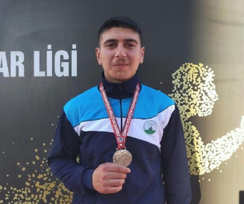 Osmangazi Belediyespor Atletizm Takımı sporcuları madalya aldı