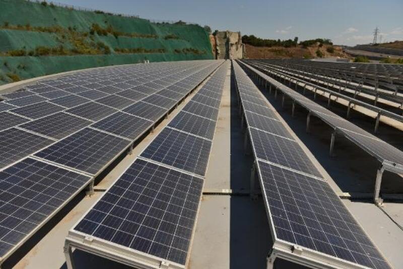 Tuzla'da kurulan Güneş Enerji Santrali 25 bin ağacın kesilmesini önlüyor
