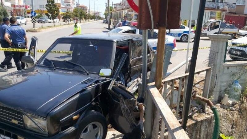 Döşemealtı'nda trafik kazası: 1 ölü