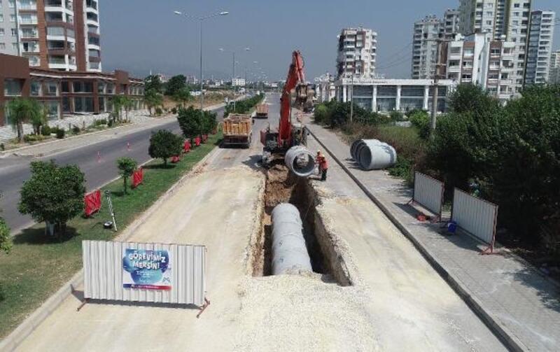 Mersin'de yağmur suyu hatları güçlendiriliyor