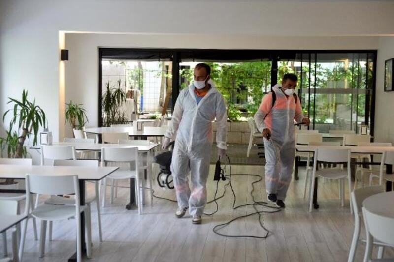 Muratpaşa'nın dezenfekte ekiplerine durmak yok