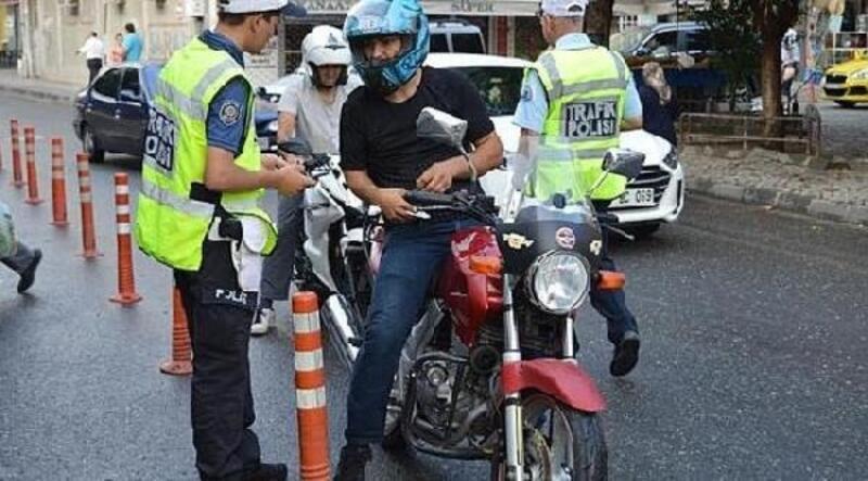 Lüleburgaz'da 30 motosiklet sürücüsüne 19 bin lira para cezası