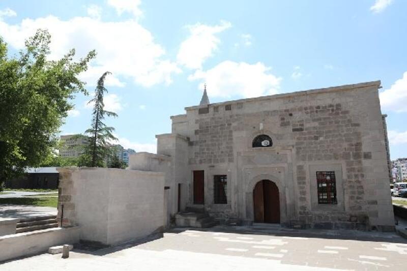 Osmanlı döneminden kalan cami restore edildi