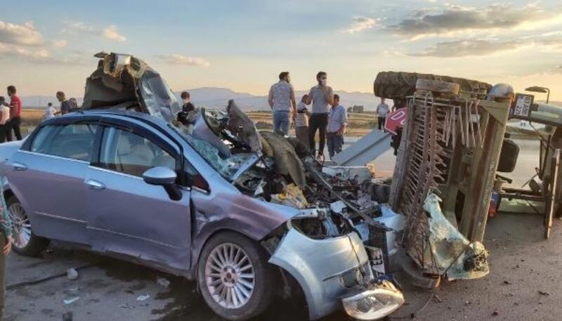 Sandıklı'da zincirleme kaza: 4 yaralı