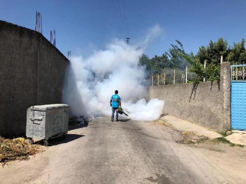 Ceyhan'da dezenfekte çalışmaları sürüyor