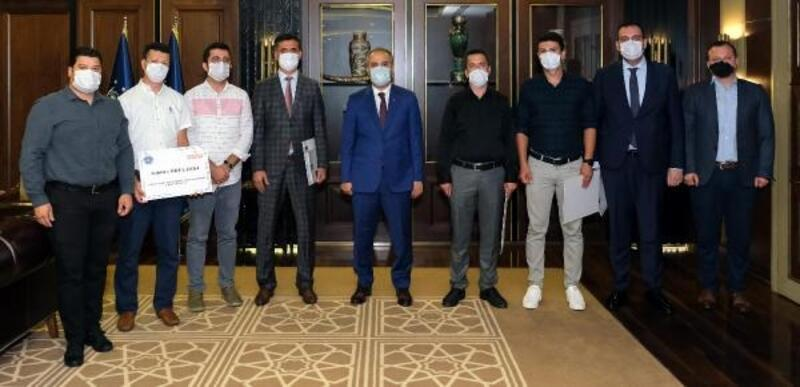 Bursa Büyükşehir Belediye Başkanı Aktaş'tan, hizmet neferlerine ödül