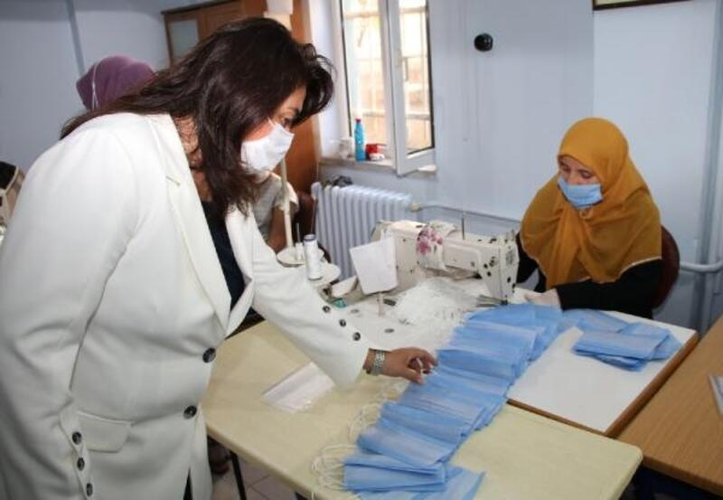Biga'da 500 binin üzerinde maske üretildi
