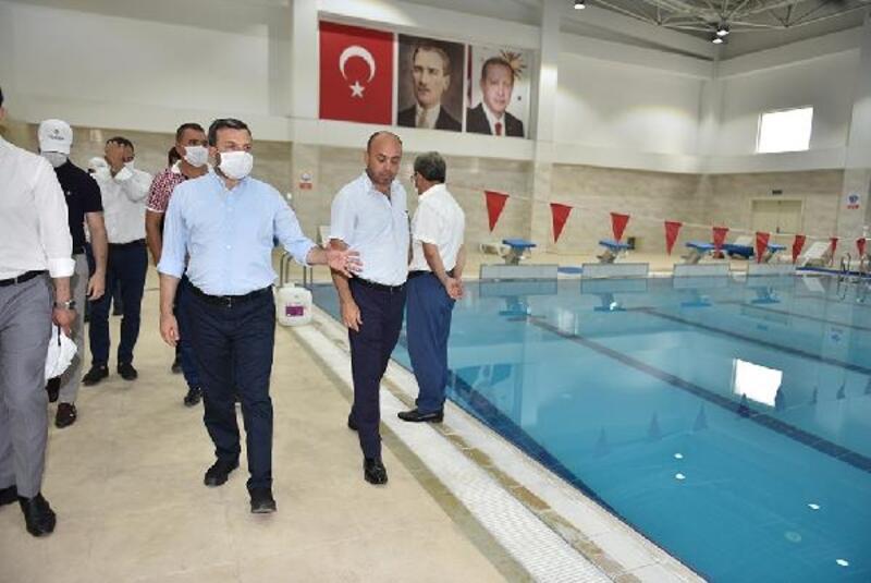Ertuğrul Gazi Kapalı Yüzme Havuzu ve Spor Kompleksi'nde kayıtlar başladı