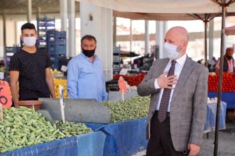 Başkan Çolakbayrakdar, pazar yerlerini denetledi